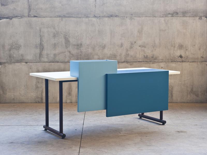 "Sovrappensiero, ""Office+Retrofit. Scrivania"", Manerba, 2011"