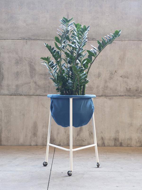 """Sovrappensiero, """"Office+Retrofit. Vaso"""", Manerba, 2011"""