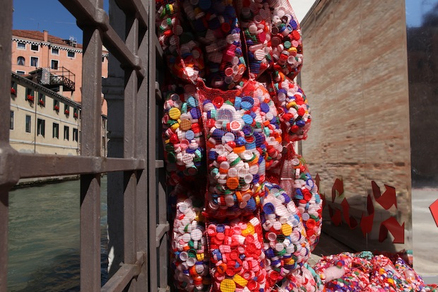 M.C. Finucci, The Garbage Patch State Venice, 2013 / courtesy l'artista