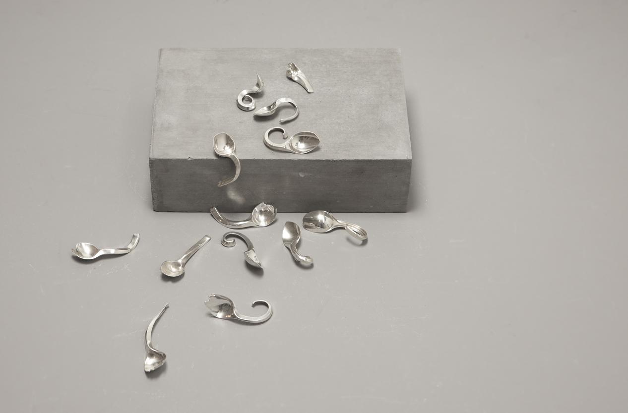 Alexa Lixfeld - Metamorphose Spoons collection- photo Benne Ochs