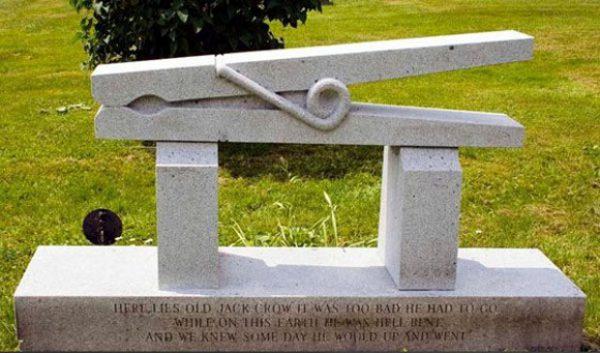 Architetti al cimitero - di Christian De Iuliis