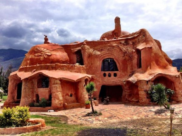 Dialetti Architettonici (pillole): Colombia la Casa di terracotta di Octavio Mendoza - di Carlo Gibiino
